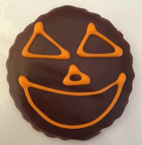 Chocolate Pumpkin Face Cookie