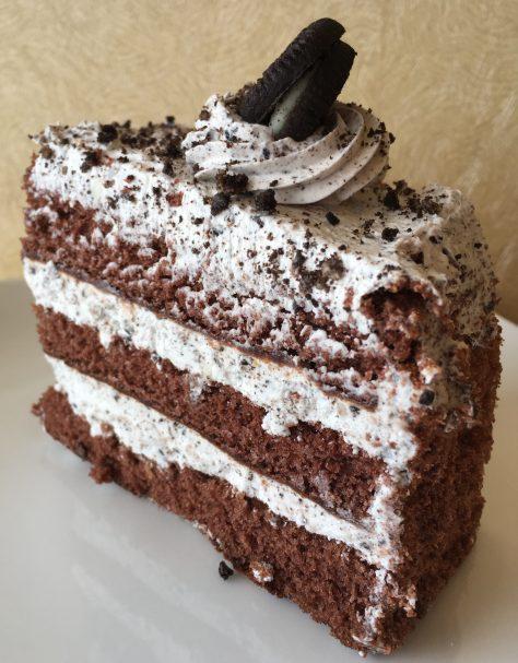 Cookies 'n' Cream Cake Slice