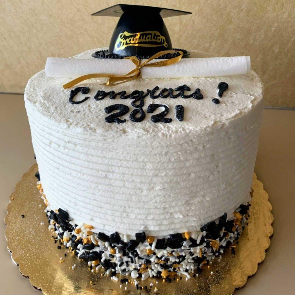 graduation centerpiece cake – Jarosch Bakery